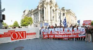 Heute vor dem Bundestag: Die Linke mit Banner prescht mal wieder vor und vereinnahmt Protest